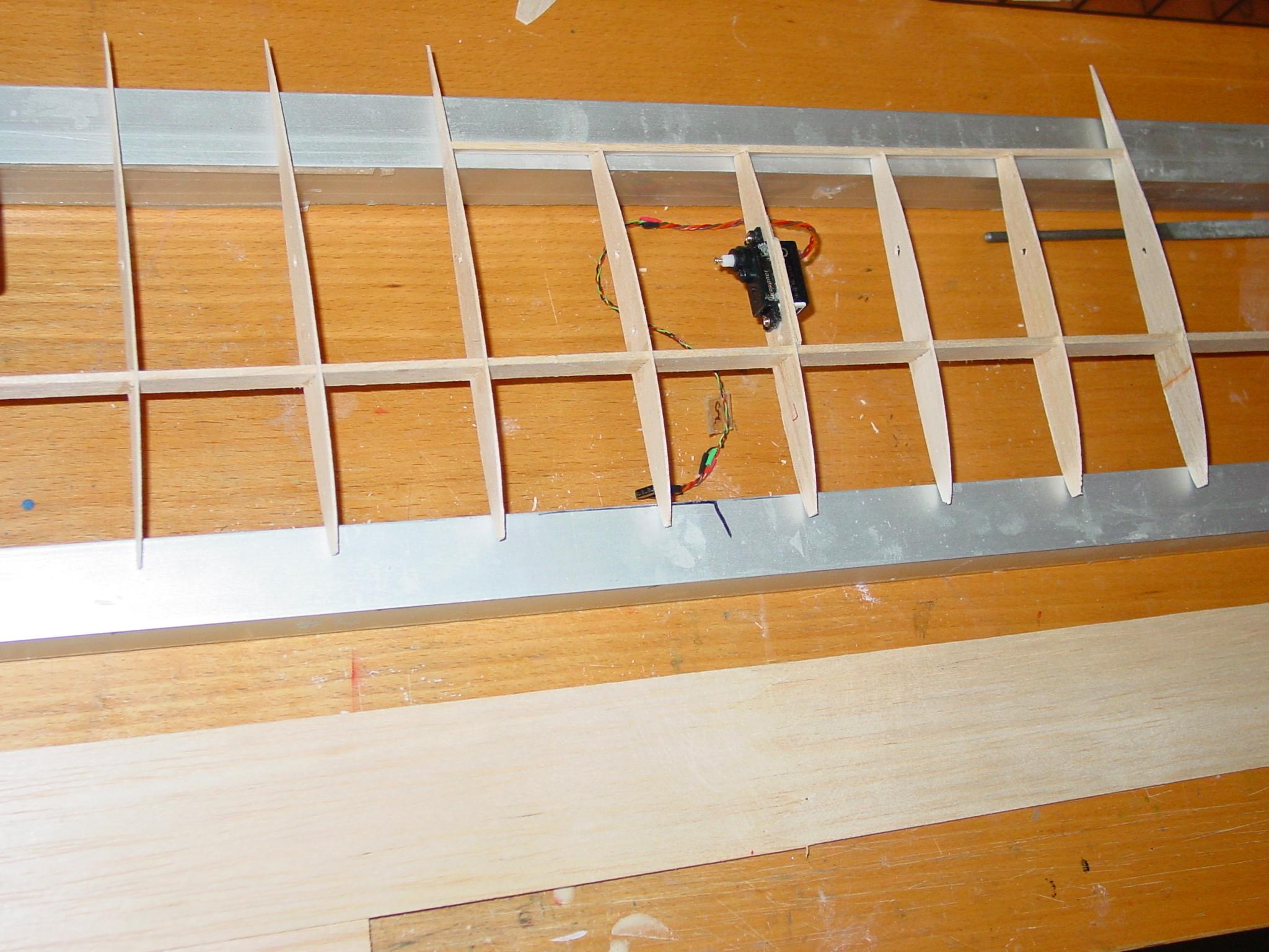 einfaches motorflugzeug selbst gebaut. Black Bedroom Furniture Sets. Home Design Ideas